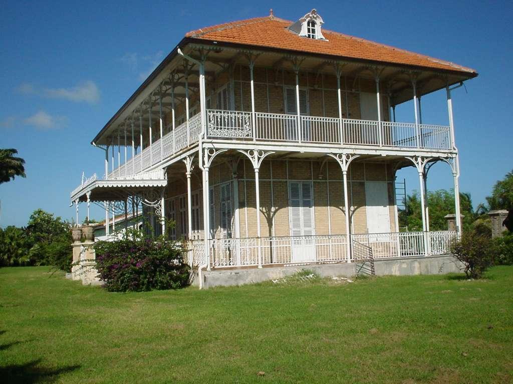 La maison coloniale de zevallos for La maison coloniale soldes